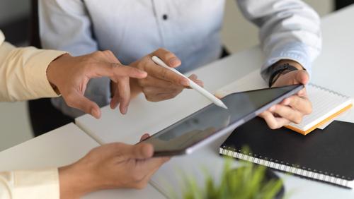 Las plataformas digitales de Sales Enablement mejoran la comunicación comercial